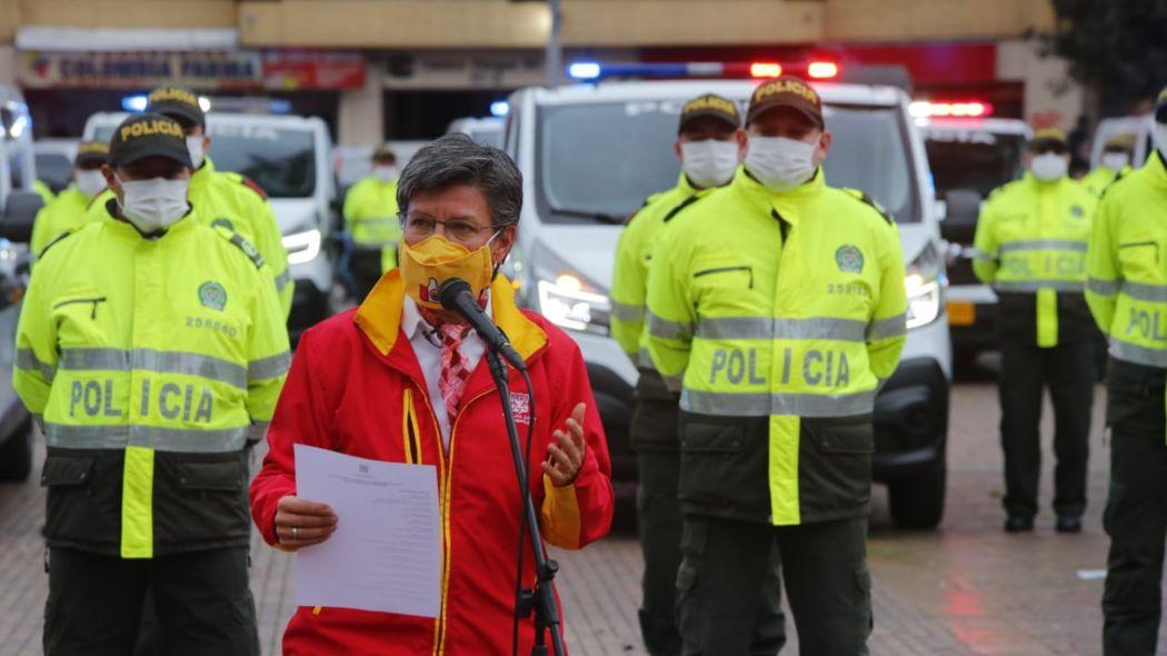 Alcaldesa cierra jornada de entrega de 117 vehículos a la policía | Bogota.gov.co