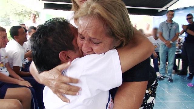 Ángelo volvió a la vida ya su familia después de vivir 27 años en las calles.