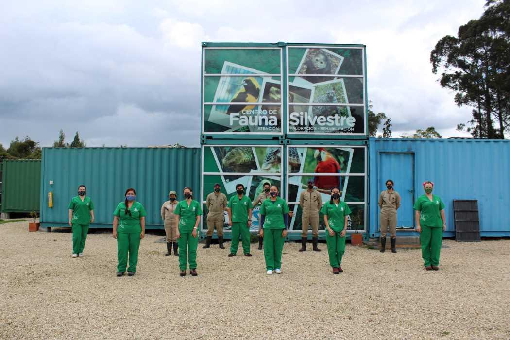 Imagen de parte del equipo de trabajo en el Centro de Fauna