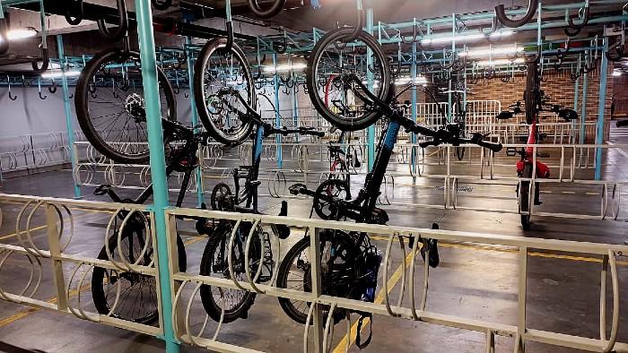 Bicicletas en el cicloparqueadero