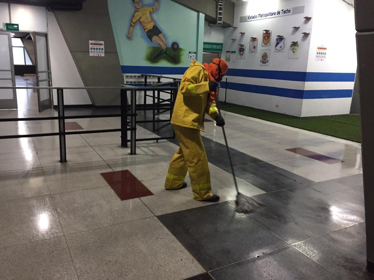 El Estadio de Techo (foto) y El Campín, fueron desinfectados acorde con los protocolos dictados por la Organización Mundial de la Salud.