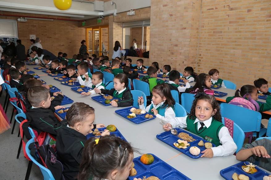Publicación resultados de traslados entre colegios - Foto: Comunicaciones Alcaldía / Andrés Sandoval