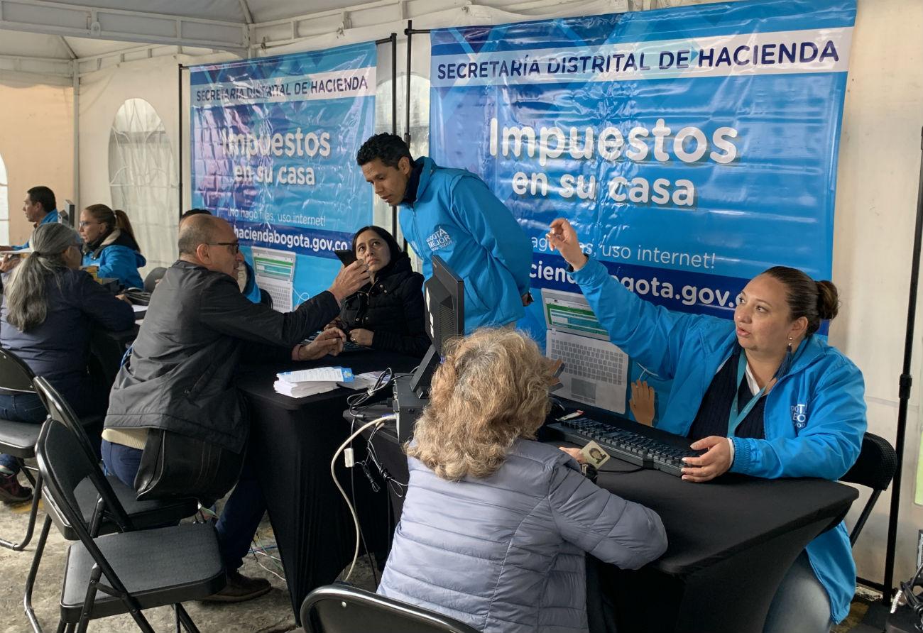 SuperCADE Móvil llega a Rafael Uribe Uribe