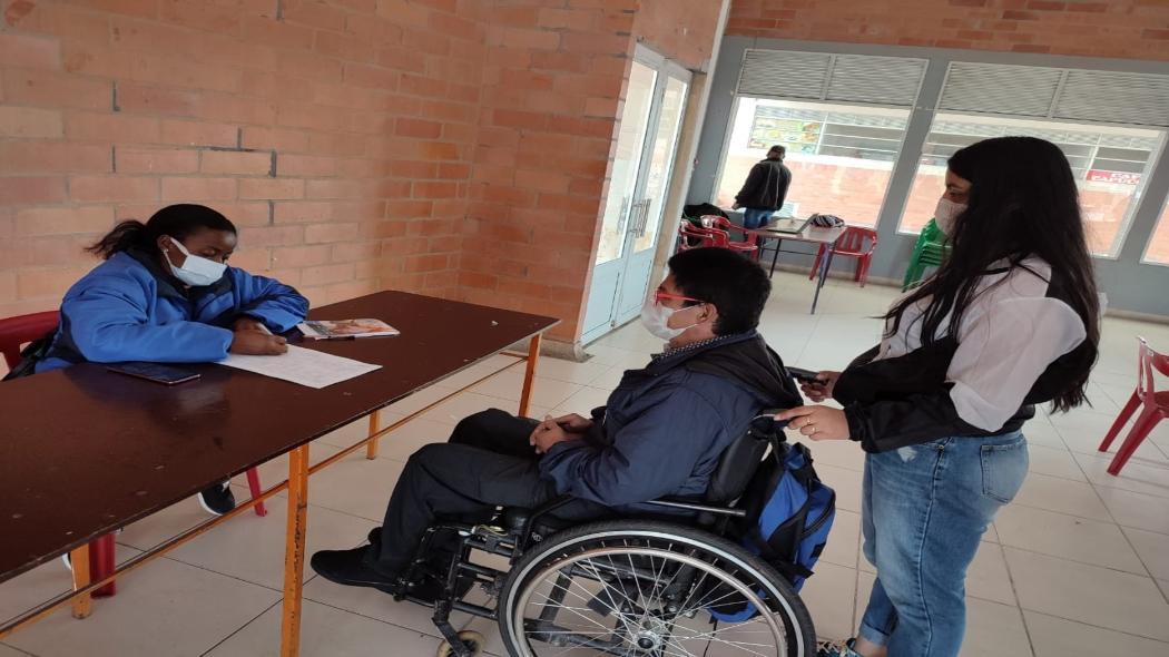 Alcaldía de Bogotá sigue brindando alternativas a vendedores de la economía informal