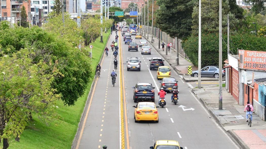 Vehículos en vía prinicipal de la ciudad: nuevas medidas de pico y placa solidario