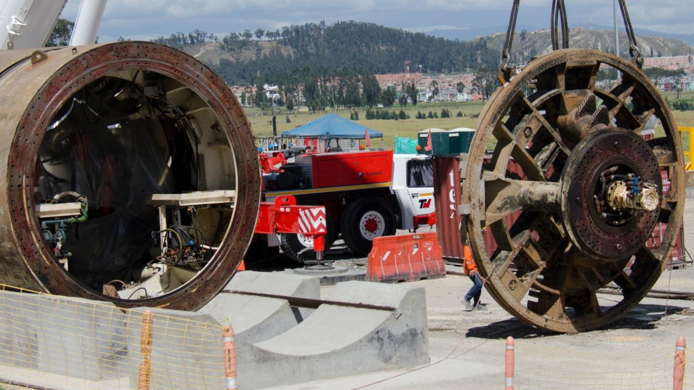 Extracción de las máquinas tuneladoras que estaban enterradas desde hacía 7 años.