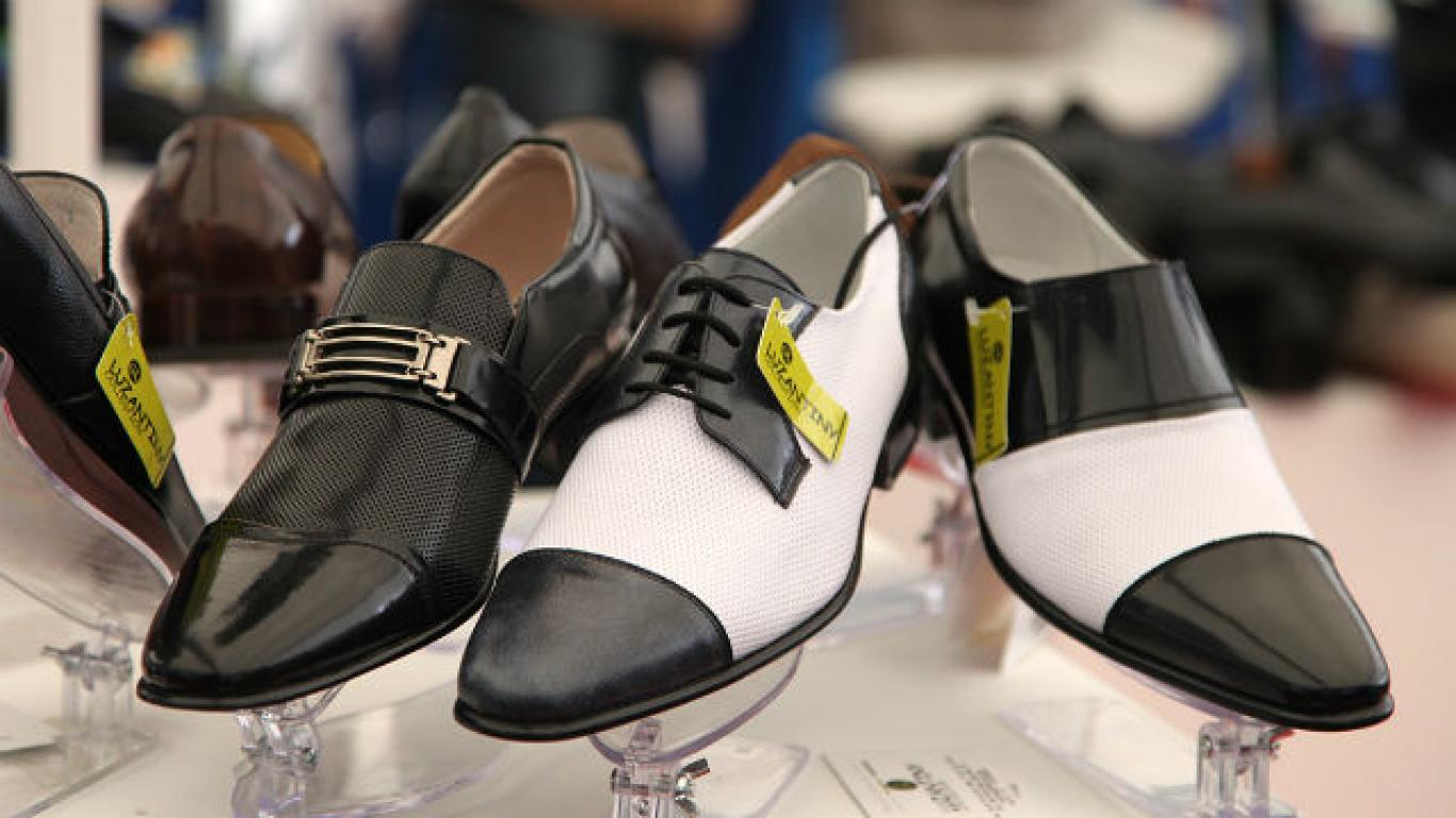 93a174ecab0 Zapatos a buen precio y de buena calidad este viernes y sábado en ...