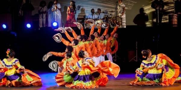 Echa' los Vivos e'cha a Baila - Foto: Estesis Danza Oficial