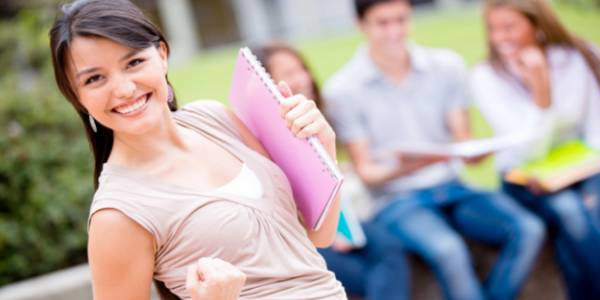 Convocatoria a egresados de colegios distritales para fortalecer competencias