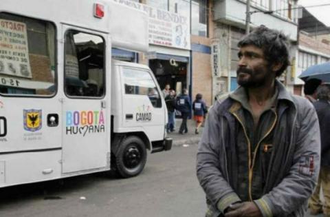 Atención habitante de calle - Foto: www.elespectador.com
