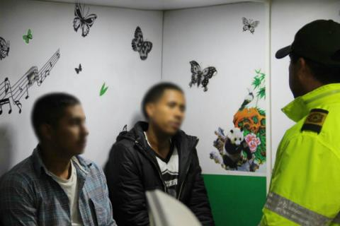 Policías mediadores - FOTO: Prensa Policía Metropolitana de Bogotá