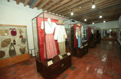 En el centro de Bogotá está el lugar que lo acercará a la historia del vestido en Colombia. Foto: Prensa Alcaldía - Diego Bauman