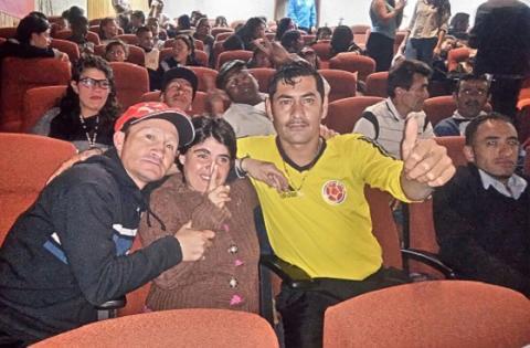 Funcion de teatro con habitantes de calle - Foto: Prensa Secretaría de Integración Social