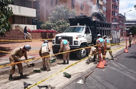 Cubrimiento de huecos - Foto: Prensa UMV