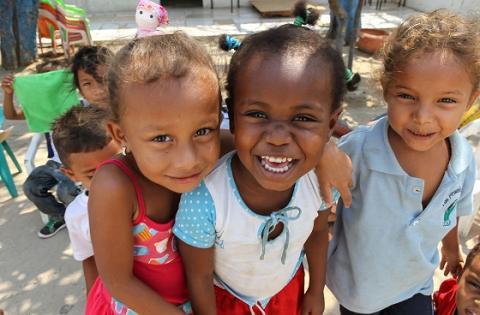 Niños felices - Portal Bogotá - Foto:karenabudinen.com