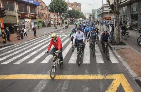 Recorrido en bicicleta - Foto: Prensa Alcaldía Mayor de Bogotá / Camilo Monsalve