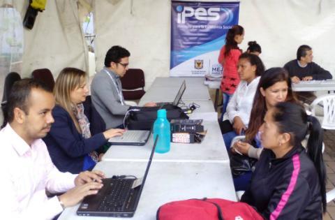 Oficina de atenci n al usuario en el centro de servicios de santa rosa - Oficinas de atencion a la ciudadania linea madrid ...