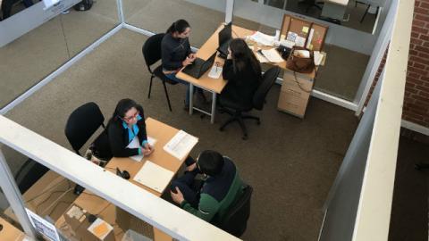 Aplicando para un trabajo - Foto: bogota.gov.co