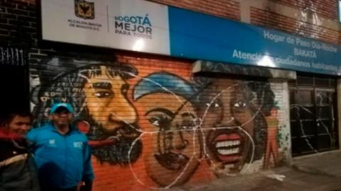 Atención habitante de calle - Foto: Alcaldía Local de Barrios Unidos