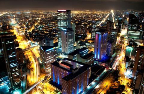 Bogotá Nocturna - Foto: www.galeriamoa.com