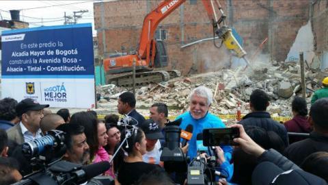 Demolición predios - Foto: IDU