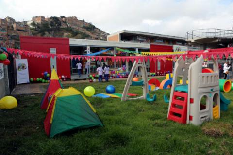 Dos nuevos jardines infantiles modulares benefician a for Cascanueces jardin infantil bogota