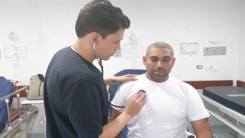 Ciudadano venezolano en USS San Blas - Foto: Secretaría Distrital de Salud