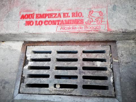 """""""Aquí empieza el Río, no lo contamines"""" - FOTO: Prensa EAB"""