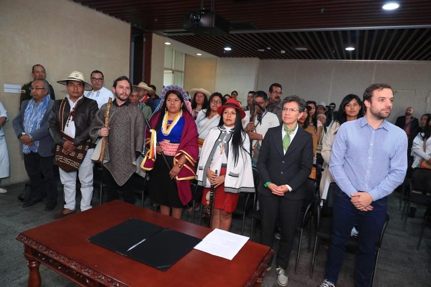 Posesión autoridades indígenas de Bogotá - Foto: Comunicaciones Alcaldía Bogotá
