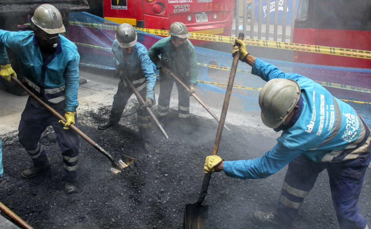 Obras viales general miles de empleos - Foto: IDU