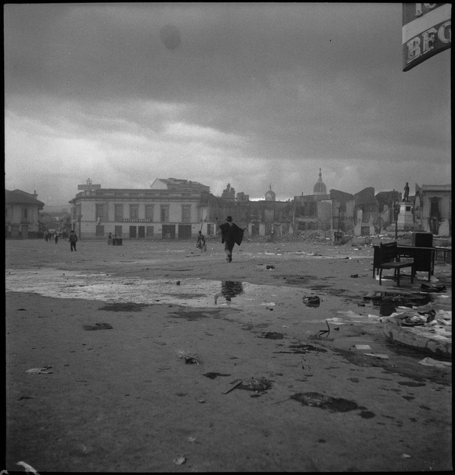 Plaza San Victorino afectada el 9 de abril/FOTO: Sady González-1948-Archivo Bogotá