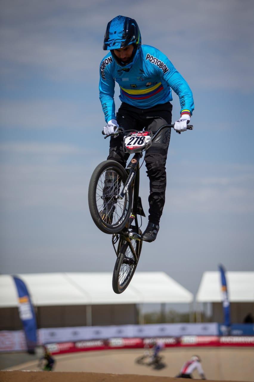Carlos Ramírez, bicicrossista ganador de medalla de plata