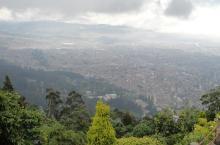 Panorámica de Bogotá - Attribution 2.0 Generic (CC BY 2.0), con modificaciones - Foto: janeyhenning - www.flickr.com