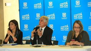 Firma acuerdo con empresarios por la educación - Foto: Prensa Alcaldía Mayor / Diego Bauman