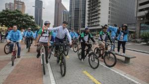 Alcalde en recorrido en bicicleta - Foto: Prensa Alcaldía Mayor / Camilo Monsalve