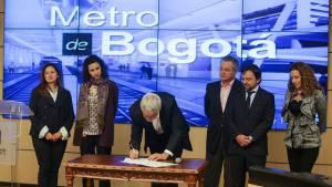 Constitución empresa Metro - Foto: Prensa Alcaldía Mayor / Camilo Monsalve