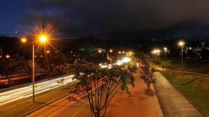Iluminación entorno de la Biblioteca Virgilio Barco - Foto: Prensa UAESP