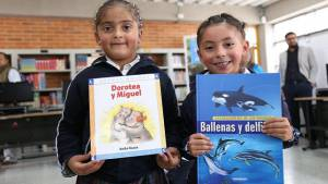 Entrega de bibliotecas escolares en Bogotá - Foto: Prensa Secretaría de Educación
