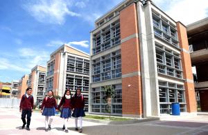 Inauguración del colegio El Ensueño, obra de la Alcaldía Peñalosa.