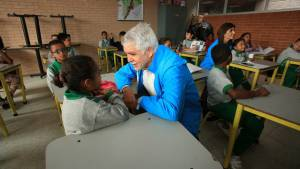Alcalde entregó colegios reconstruidos en Kennedy y Rafael Uribe Uribe - Foto: Comunicaciones Alcaldía Bogotá / Diego Bauman