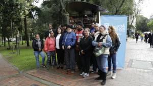 Entrega de quioscos a vendedores informales - Foto: IPES