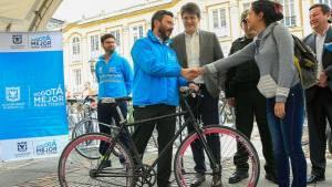 'Entregatón' de más de 110 bicicletas - Foto: Comunicaciones Alcaldía / Diego Bauman
