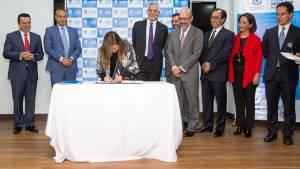 Firma fideicomiso Lagos de Torca - Foto: Alcaldía Mayor de Bogotá