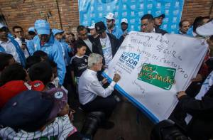 Alcalde con jóvenes de Ciudad Bolívar  - Foto: Comunicaciones Alcaldía Mayor/  Camilo Monsalve