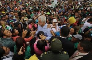 Alcalde con población recicladora - Foto: Comunicaciones Alcaldía Bogotá / Diego Bauman