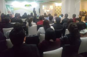 Comerciantes del Madrugón se capacitan en temas contables