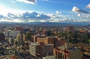 Panorámica de Bogotá - Attribution 2.0 Generic (CC BY 2.0), con modificaciones - Foto: Alberto Castillo Aroca - www.flickr.com