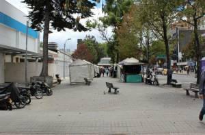 Vendedores en espacio público - Foto: IPES