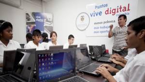 """Puntos """"Vive Digital"""" - Foto: Ministerio de las Tecnologías de la Información y Comunicaciones (MINTIC)"""