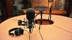 Estudio de radio - Foto: Casilda Plus.com
